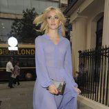 Pixie Lott paseando por Londres