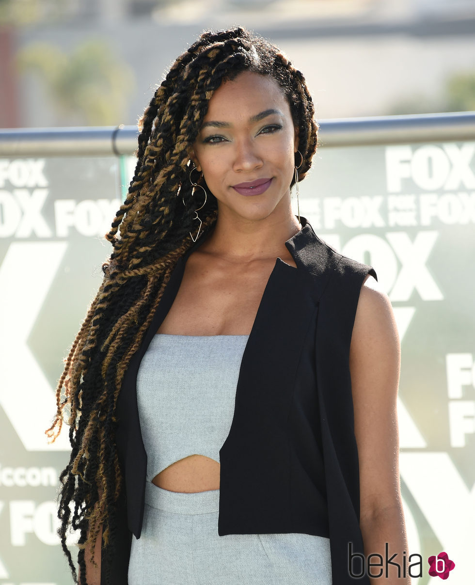 Galeria: Sonequa Martin-Green Style Outside Of Star Trek: Discover