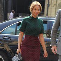 Beyoncé paseando por París de lunares