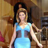 Beyoncé en la presentación de una tienda de bolsos