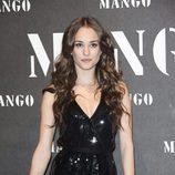 Silvia Alonso con bucles en un acto de Mango