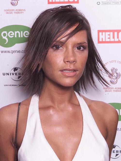 Victoria Beckham con un corte bob y el pelo de punta
