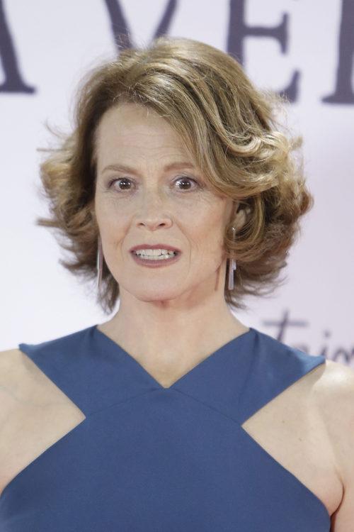 Sigourney Weaver con el peinado encrespado