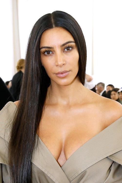 Kim Kardashian sin maquillaje en el defile de Balenciaga
