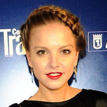 Laura Hayden repite trenza griega