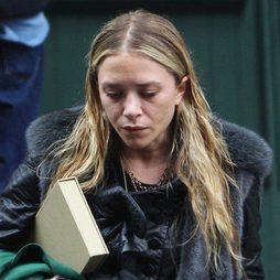 Mary Kate Olsen muy desmejorada