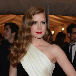 Amy Adams y su look años 20