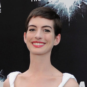 Anne Hathaway sigue presumiendo de pixie