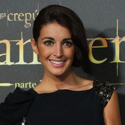 Noelia López con un peinado ladeado