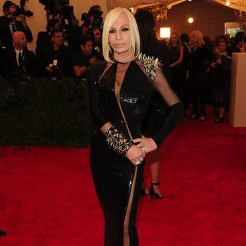La melena 'midi' de Donatella Versace