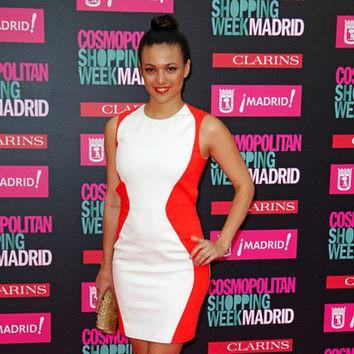 Elisa Mouliáa luce un precioso moño bailarina