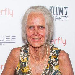 Heidi Klum, irreconocible con su disfraz de anciana