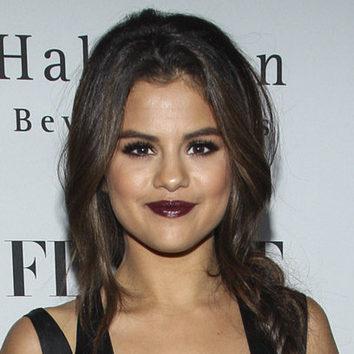¿Labios color ciruela? Selena Gomez dice sí