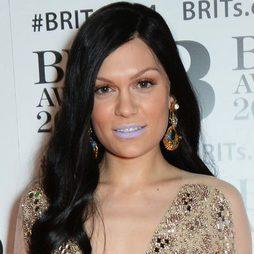 Labios morados, el gran error de Jessie J