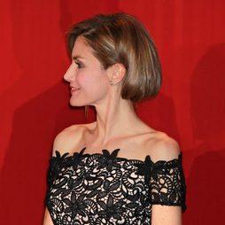 La Princesa Letizia sorprende con un falso bob