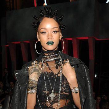 Los labios góticos de Rihanna