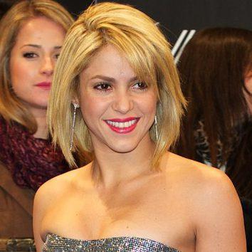 Shakira con corte de pelo tipo bob