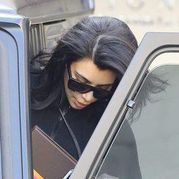Kim Kardashian también tiene canas