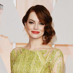 Emma Stone opta por un look retro