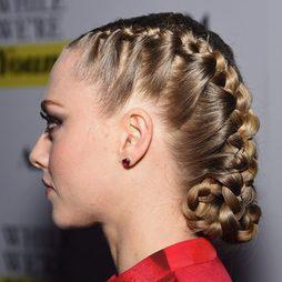 Artesanía sobre el cabello de Amanda Seyfried