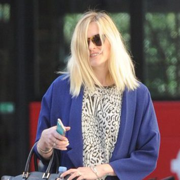 El viento pasa factura a Fearne Cotton