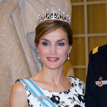 La Reina Letizia pone color a su mirada