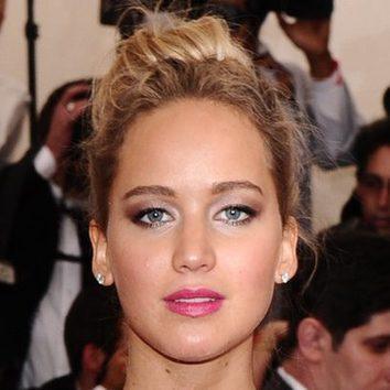 Jennifer Lawrence y sus problemas antibrillos