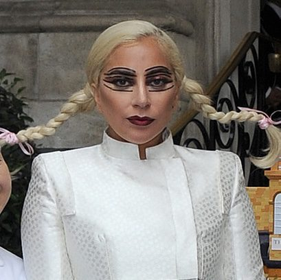 Lady Gaga, la muñeca siniestra