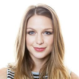 Melissa Benoist fija su mirada