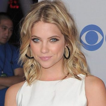 Ashley Benson, un look muy natural