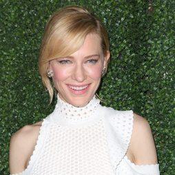 Cate Blanchett, belleza celestial con tonos rosados