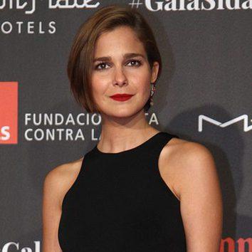 Natalia Sánchez irradia pasión con sus labios rojos