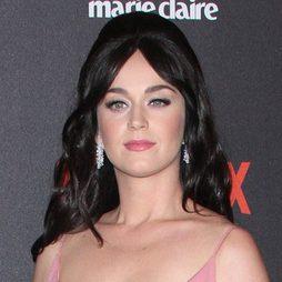 Katy Perry y su volumen inmenso