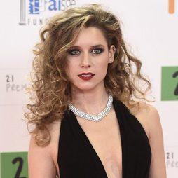 Manuela Vellés, brillante con un maquillaje de cine