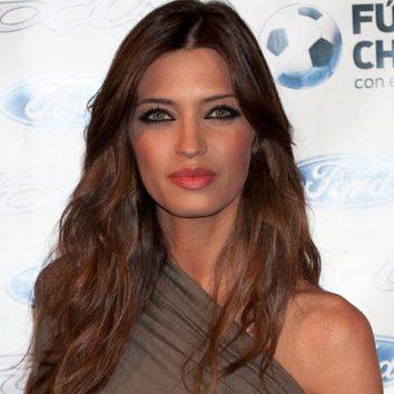 Sara Carbonero sabe potenciar sus labios