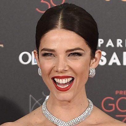 Juana Acosta deslumbra con su sonrisa pasional