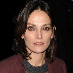 Laura ponte no acierta con el maquillaje nude