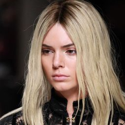 Kendall Jenner, una rubia en París