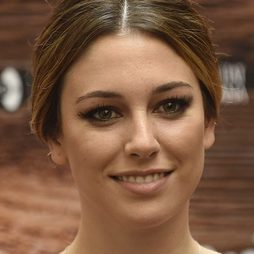 Blanca Suárez, beauty look classic