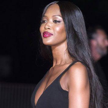 Naomi Campbell con un look degradado en los labios