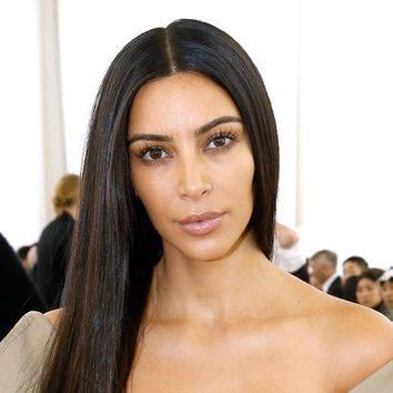 El look no makeup de Kim Kardashian en el desfile de Balenciaga