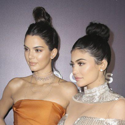 Kendall Jenner y Kylie Jenner se conjuntan