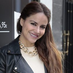 Mónica Hoyos cumple 40 años muy casual