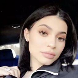 Kylie Jenner se pasa al bob para sanear su cabello