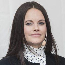 Sofía de Suecia con pelo liso y maquillaje muy natural