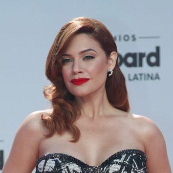 Angelica Celaya con ondas al más puro estilo old Hollywood