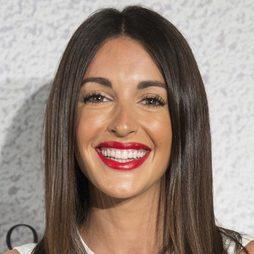 Noelia López apuesta por los labios rojos