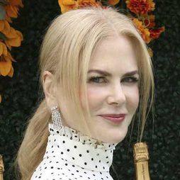 Nicole Kidman apuesta por la coleta baja con volumen