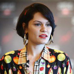 Jessie J sacada de un cuento con su melena bob