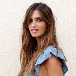 Sara Carbonero deslumbra con un look natural